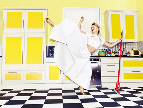 P&G has teamed up with Kimberly Wyatt to create a series of spring cleaning-inspired dance moves and is running dance-related competition with Magic Radio.