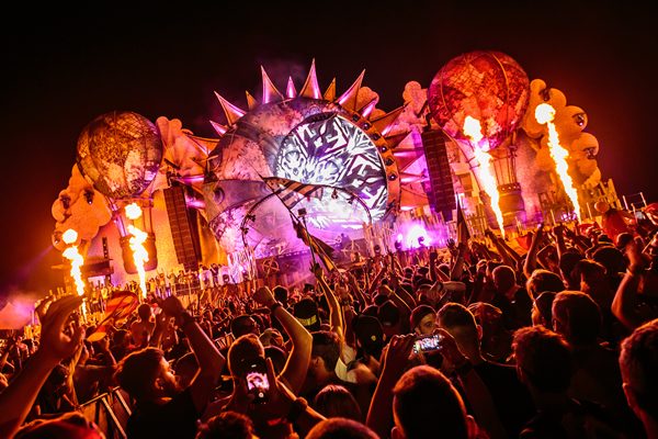 Budweiser has signed a three-year global partnership with Belgian festival Tomorrowland as part of the brand's collaboration with Dutch DJ/producer Tiësto.